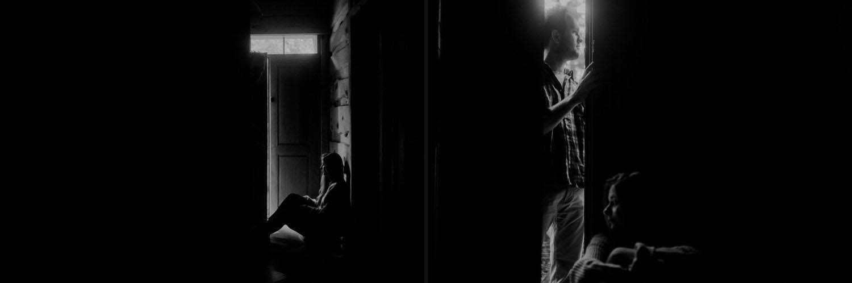 czarno-biała sesja zdjęciowa pary wprzyborowo 11